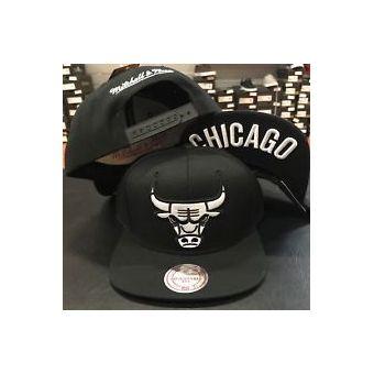 db3531d99508a Agotado Mitchell And Ness - Gorra Para Hombre MITCHELL   NESS CHICAGO BULLS  - Negro