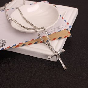 c84c4cfb971f Colgante Cruz De Diamantes Collar Moda Caja De Cifrado Para Hombres