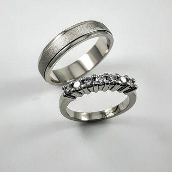 f16ab8a81e81e Argollas Matrimonio Compromiso Margie Oro Blanco El Señor De Los Anillos