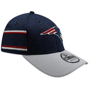 Gorra New Era 39 Thirty On Field 2018 Patriots Sideline Defended Azul 16987a05bbb
