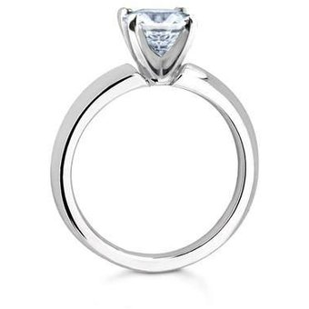 f9799c355ebd Anillo De Compromiso Solitario S5 De Oro Blanco De 14Kt Con Diamante  Natural Certificado De .
