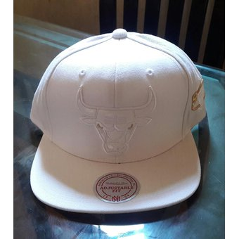 Agotado Mitchell And Ness - Gorra Para Hombre NBA Chicago Bulls - Blanco d6044438a94