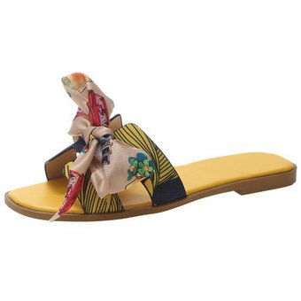 Zapatillas de mujer color cinta mariposas floral