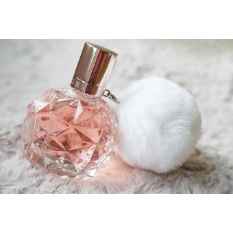 b5a2def68 Compra ArI By Ariana Grande Eau De Parfum Spray 100ml / 3.4oz online ...