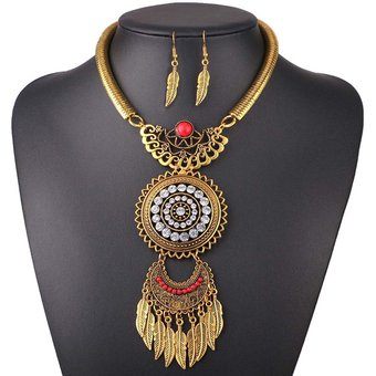 11f42b064a65 Compra Collar Y Aretes Harmonie Accesorios Hojas Maxi Dije Dorado ...