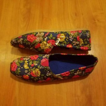 30ee95e28 Zapatillas Floreadas Azules Gyg