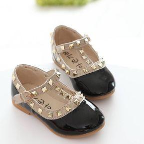 f14ad1bca08 Zapatillas planas con tachuelas correas para niñas pequeñas