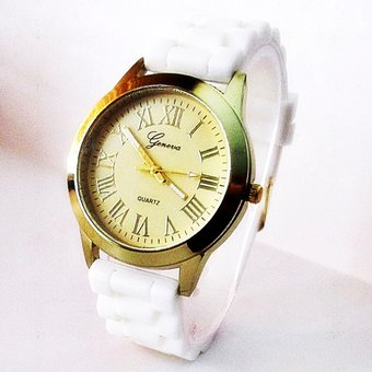 873d5cae2b47 Agotado Reloj Geneva Dama Dorado