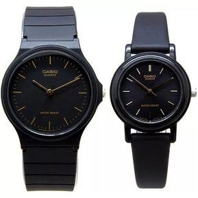 942898f70da7 Pareja De Relojes Casio MQ24 Y LQ139 Caucho- Negro Con Dorado