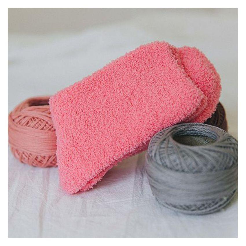 Caliente caramelo lindo color suave Mujeres Fluffy Calcetines Coral Velvet invierno calcetines caseros